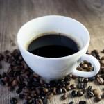 緑茶やコーヒーを飲むと、死亡率が低下するという研究結果が